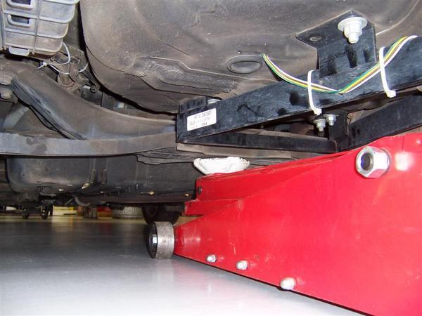 Jacking Up Your Car - Hyundai Wiki