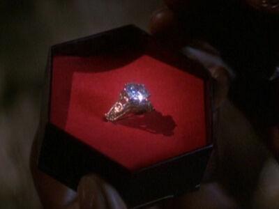Ehering mit terellianischem Diamanten