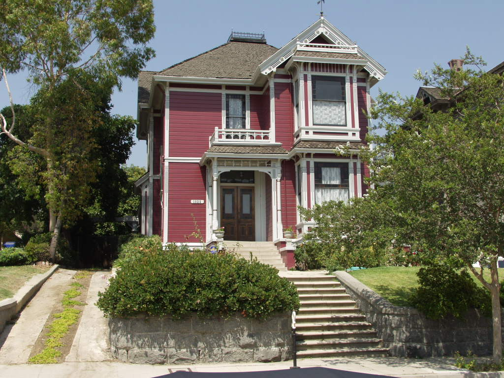 Halliwell manor charmed wikia for Charmed house blueprints