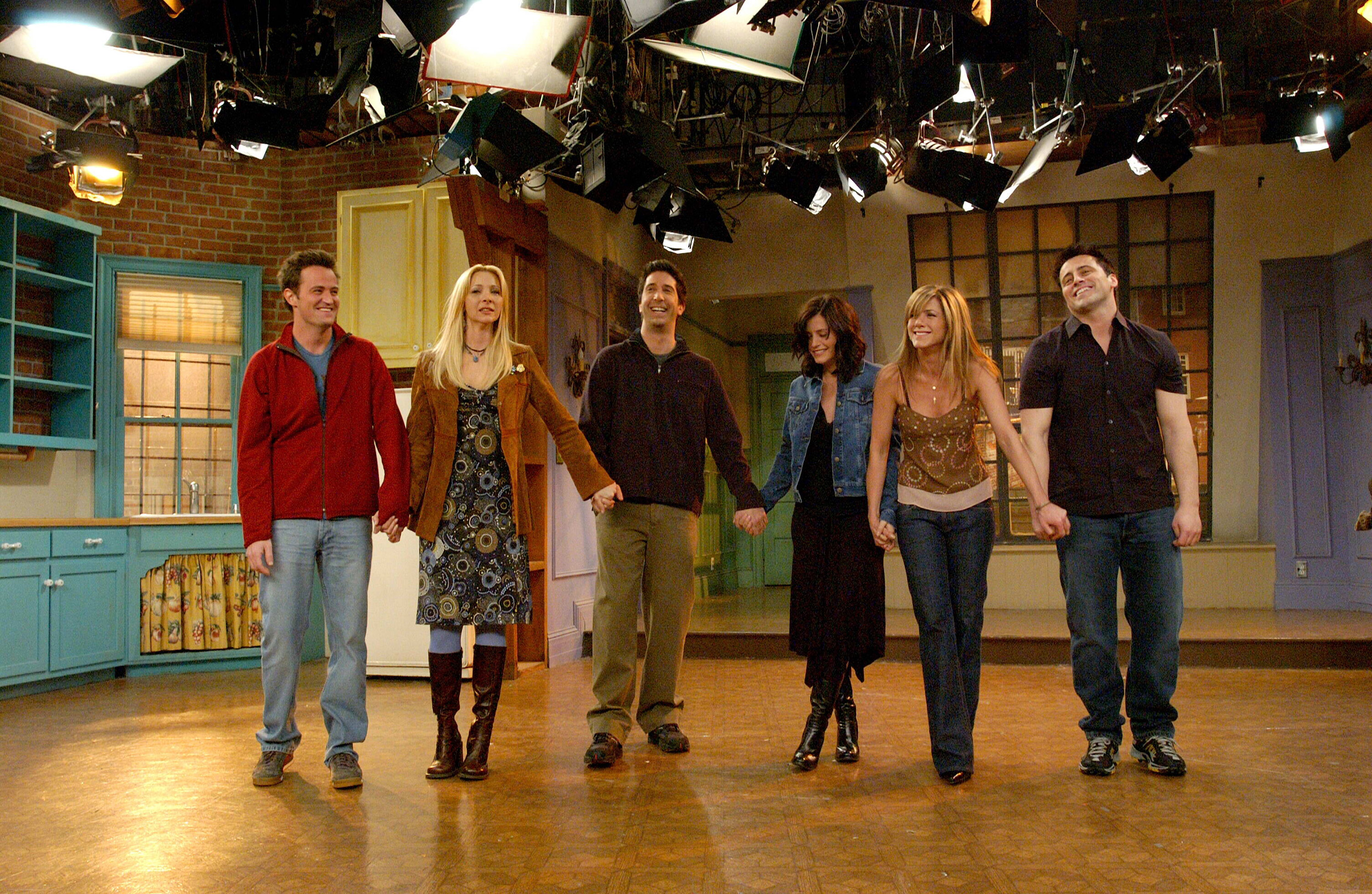 30 Facts About Friends Thatll Make You Go Whoa