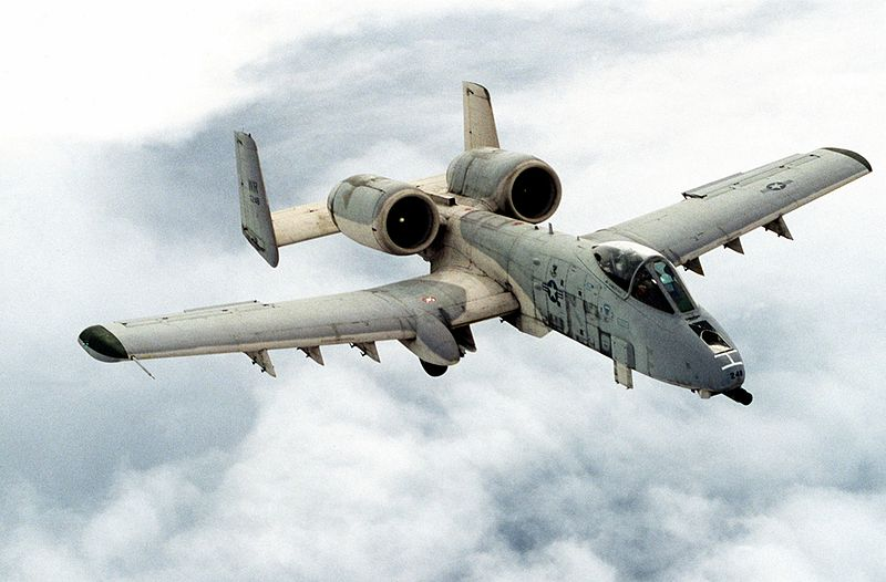 المصاعب اللوجستيه الامريكيه في عمليات القصف الجوي ضد داعش في سوريا  Fairchild-a10-thunderbolt2-warthog