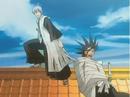 Ichimaru ties up Zaraki.png