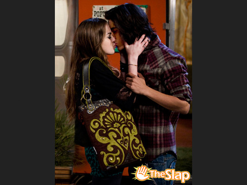 Victorious Jade And Andre Kiss Image - Jade and Beck-...