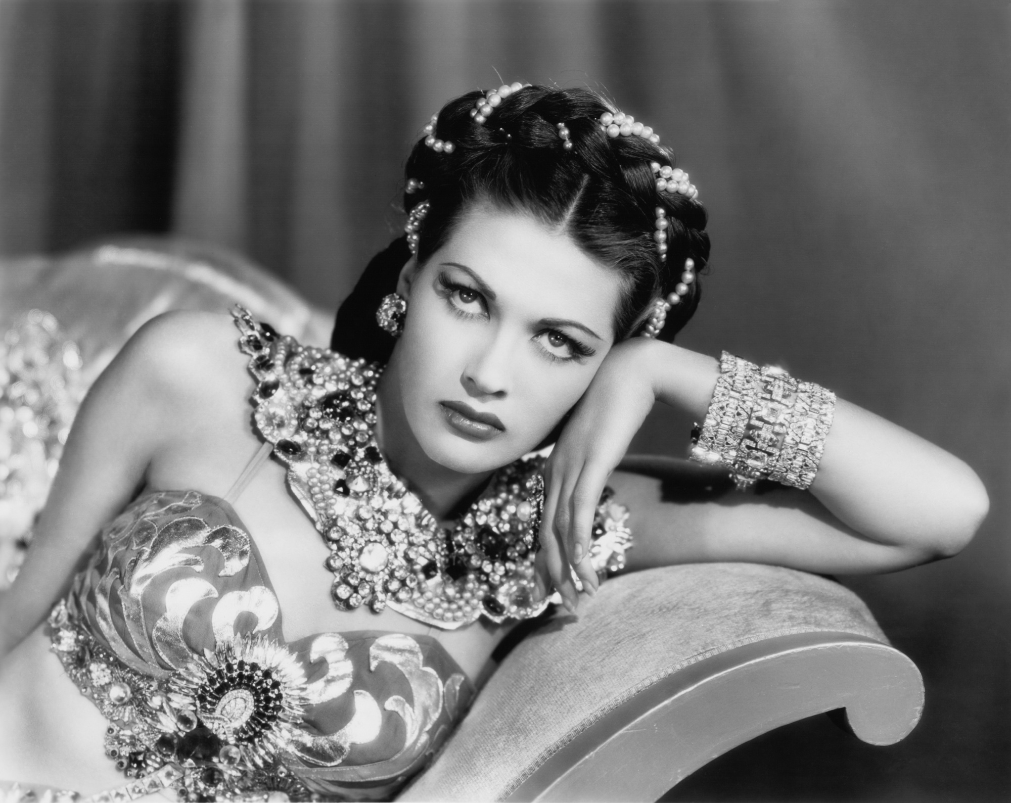 Yvonne De Carlo where is buried