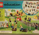 9348 Community Minifigure Set
