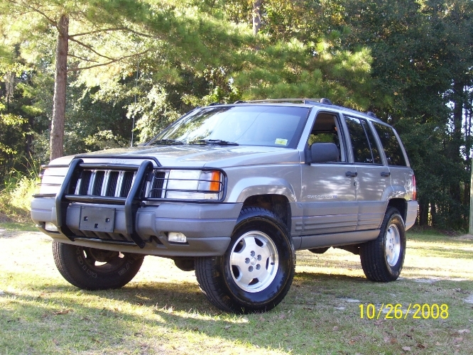 jeep grand cherokee tractor construction plant wiki the classic vehicle and machinery wiki. Black Bedroom Furniture Sets. Home Design Ideas