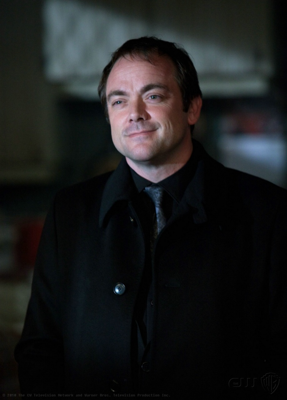 http://img3.wikia.nocookie.net/__cb20110509204114/supernatural/pt-br/images/5/5d/Crowley2.jpg