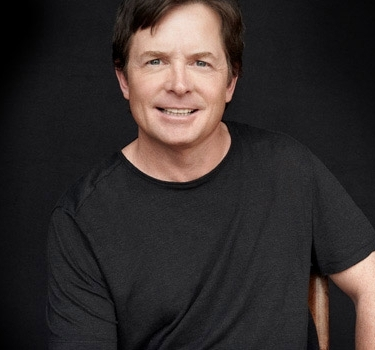 a description of michael andrew fox born in edmonton alberta Michael j fox is a canadian-american actor, author, and producer  born in:  edmonton, canada  michael andrew fox was born on june 9, 1961 in alberta ( canada) to william fox, a police officer and canadian forces.