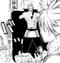 Gildarts zeigt Natsu seine Verwundungen.png