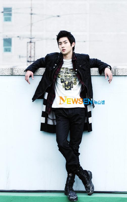 http://img3.wikia.nocookie.net/__cb20111010213222/drama/es/images/0/0b/Choi_Woo_Shik4.jpg