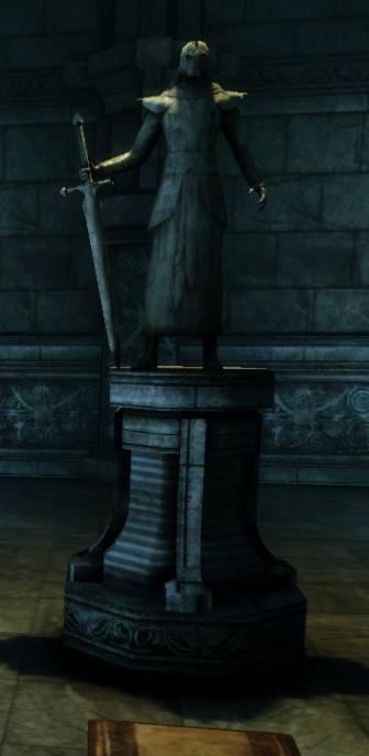 Archon_Hessarian_Statue.jpg