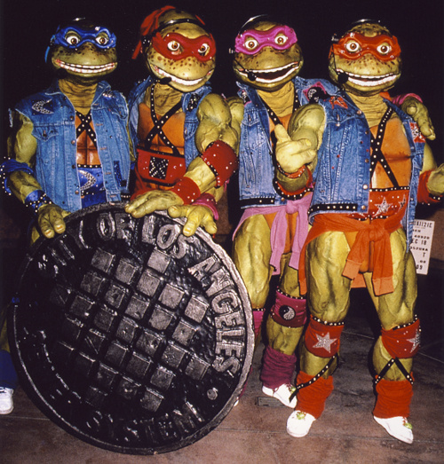 TMNT Coming out of theiR WHAT THE FUCK
