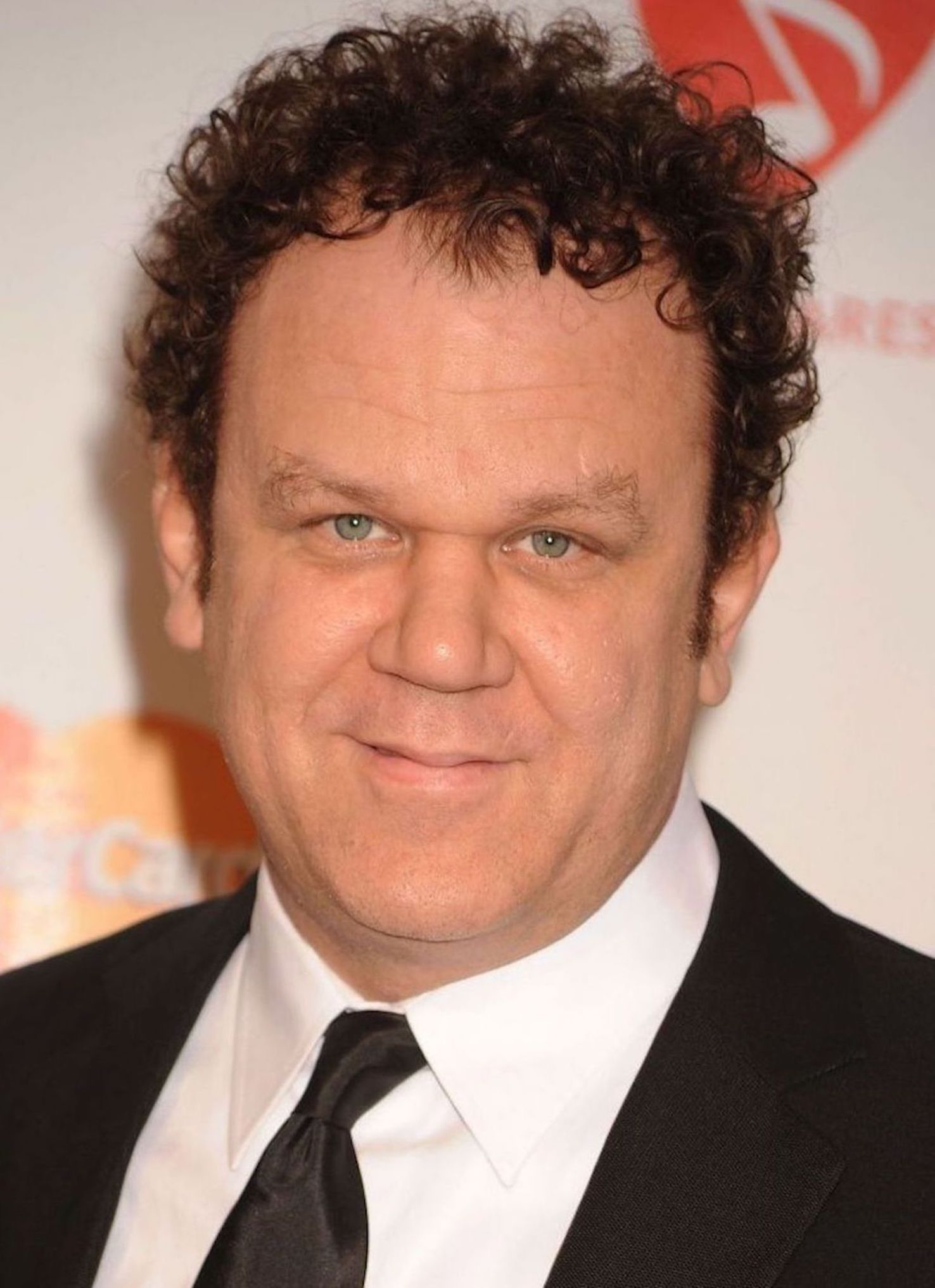 The 52-year old son of father John Reilly, Sr. and mother(?), 187 cm tall John C. Reilly in 2017 photo