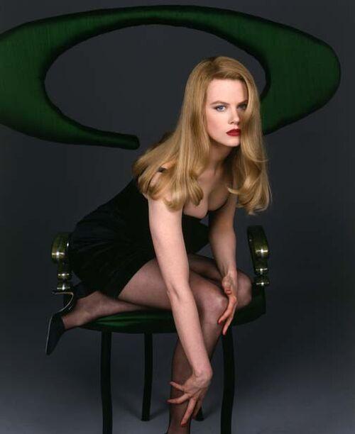 Go Back > Galle... Jeanne Tripplehorn Legs