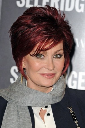 The 64-year old daughter of father Don Arden and mother Hope Shaw, 157 cm tall Sharon Osbourne in 2017 photo