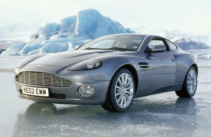 aston martin v12 vanquish james bond 007 wiki