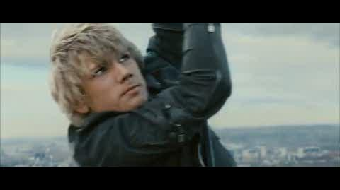 Alex Rider Operation Stormbreaker - alex saved from falling