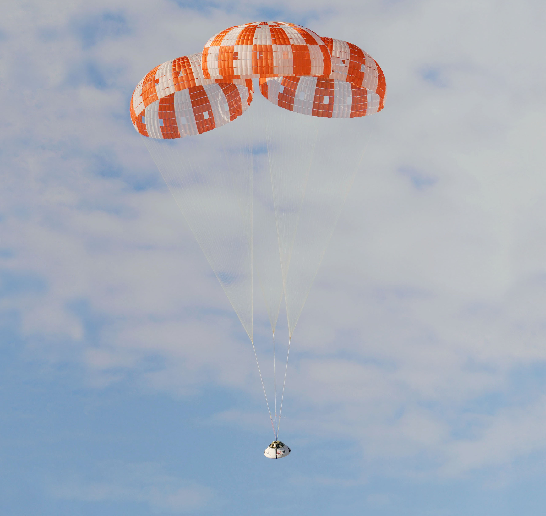 Orion_parachute_test.jpg