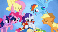 Rarity being overwhelmed with pressure S1E14