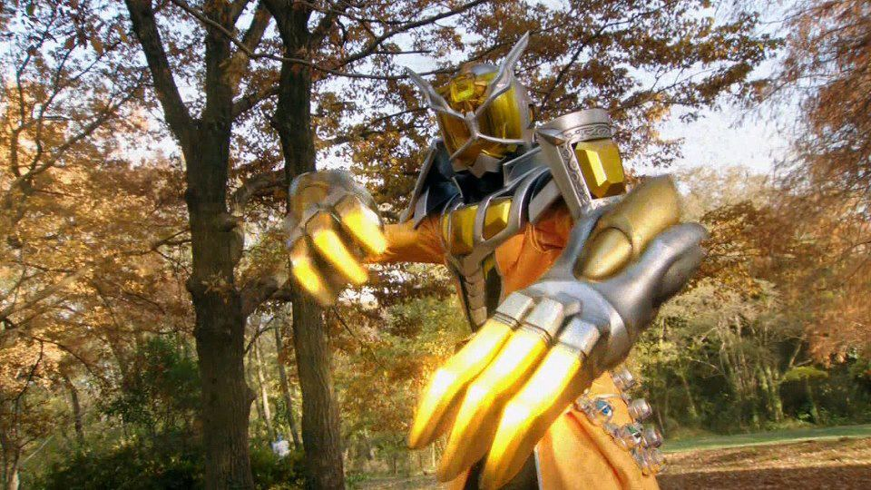 http://img3.wikia.nocookie.net/__cb20130120040250/kamenrider/images/e/e9/KR_Wizard_Land_Dragon_w-_Claws.jpg