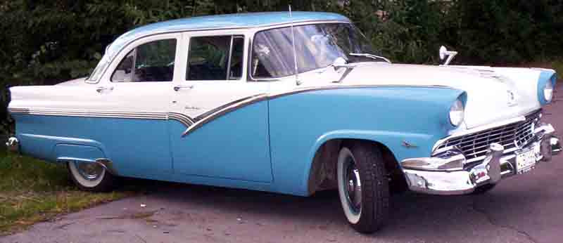 Full size ford tractor construction plant wiki the for 1956 ford fairlane 4 door