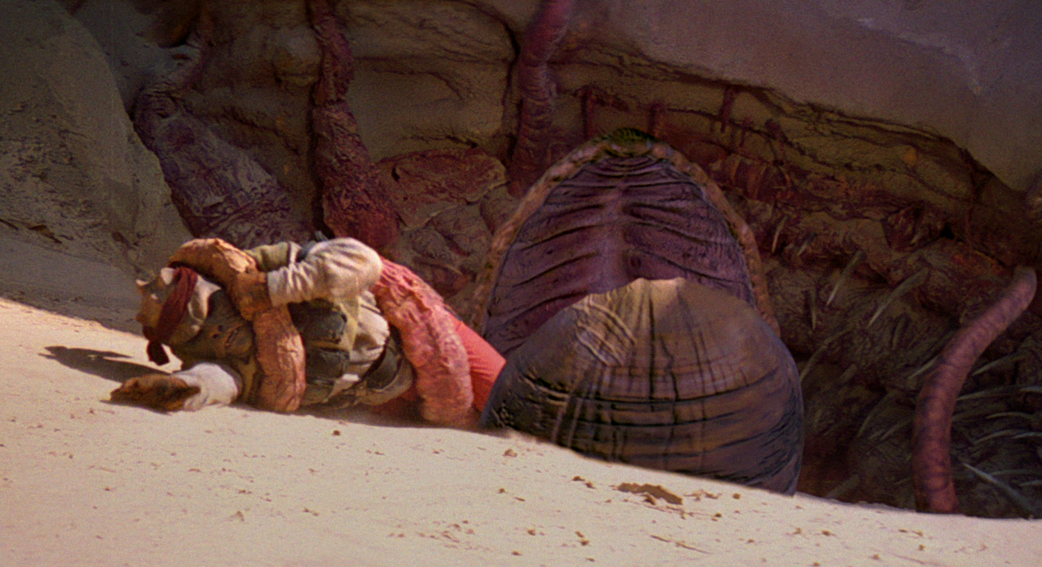 http://img3.wikia.nocookie.net/__cb20130401043102/starwars/images/2/2b/Kithaba_death.png