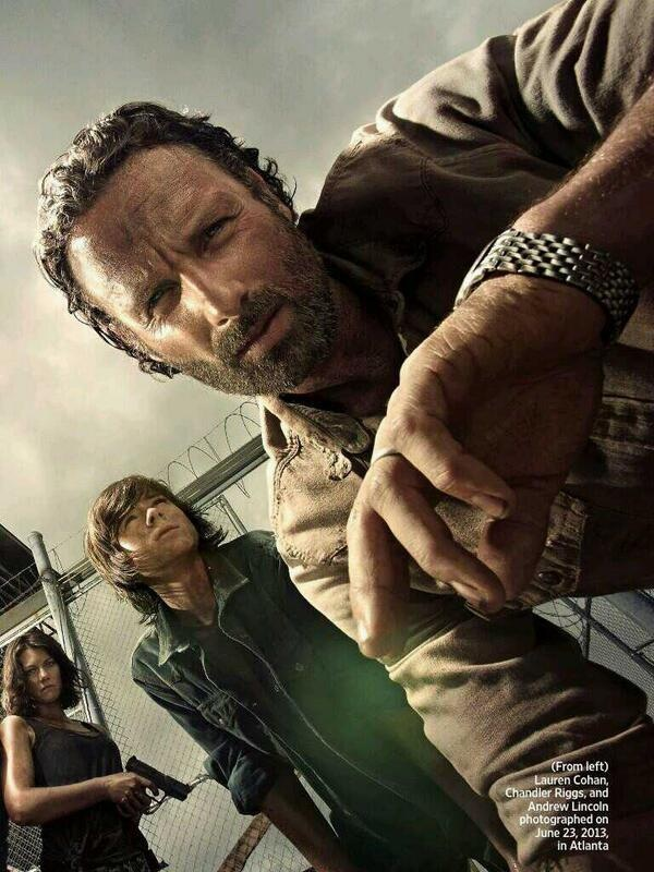 Image - Rick, Carl, and Maggie (Season 4).jpg - Walking ... Walking Dead Season 4 Rick