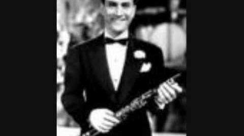 """""""Comes Love"""" Artie Shaw and Helen Forrest"""