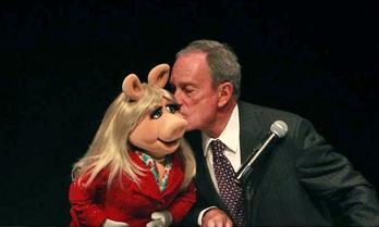 Kiss-MOMI-Piggy&Bloomberg-(2013-05-21)