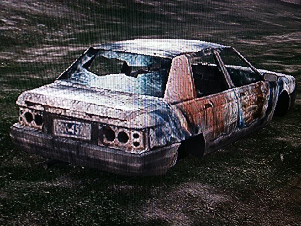 80%27s_sedan-rear-GTAV-wreck.jpg