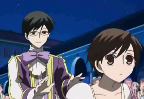 500px-Kyoya pushing haruhi to tamaki pngOuran Highschool Host Club Honey And Haruhi