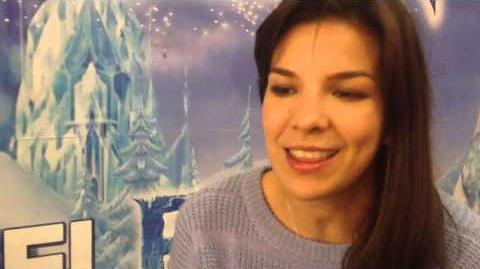 Carmen Sarahí convive con neolaredenses en función de Frozen