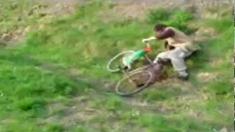 Betrunkener radfahrer - lustig