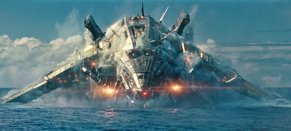 Alien-Ship-in-Battleship-2012-Movie-Imag