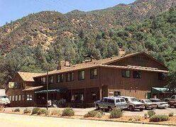 248px Cedar Lodge Motel