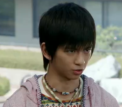 http://img3.wikia.nocookie.net/__cb20140610003036/kamenrider/images/7/79/Lapis_.png