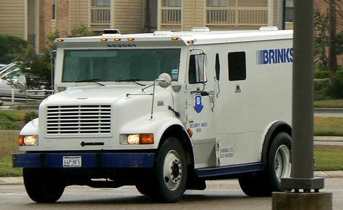 Bank Truck - Battlefield Wiki - Battlefield 4, Battlefield ...