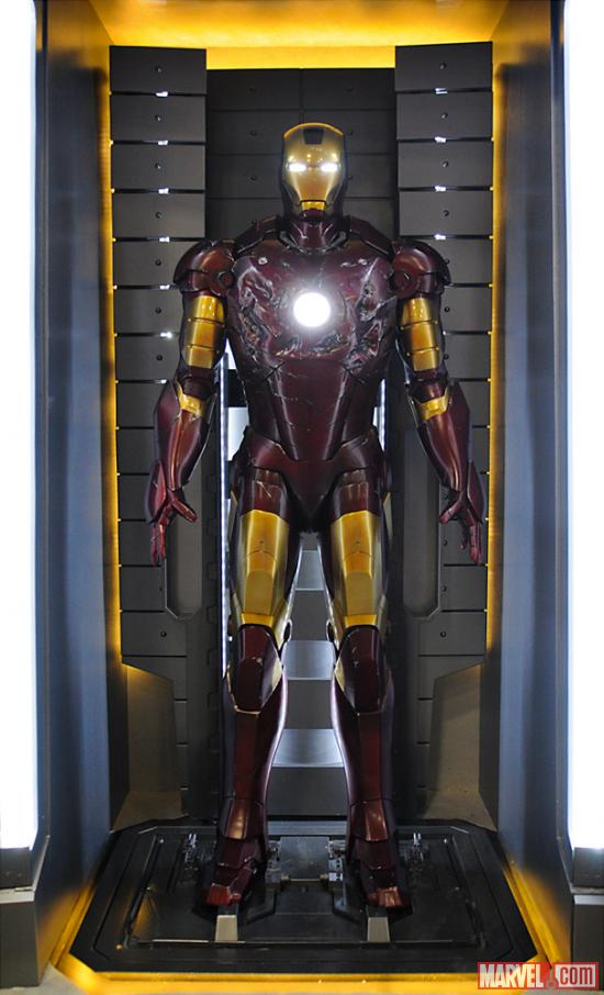 http://img3.wikia.nocookie.net/__cb20140625181511/ironman/images/9/94/Iron_Man_Armor_(Mark_III).jpg