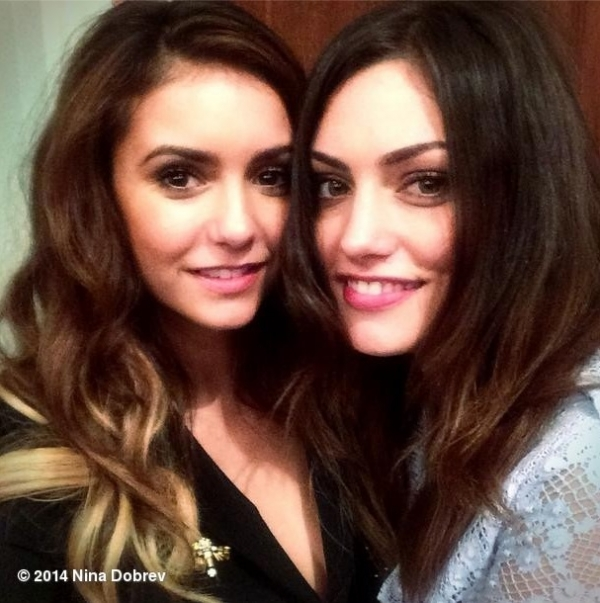 Moira: I am a formidable predator, both in the life of all the days in my private life, I am like a requi I guete my prey before attacking Nina-dobrev-shows-off-new-hair-color-with-phoebe-tonkin