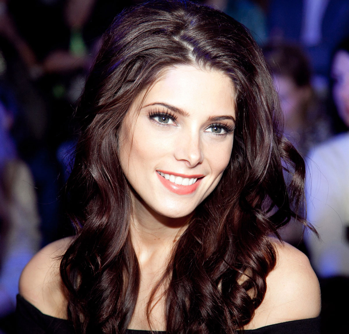 Ashley Greene earned a  million dollar salary, leaving the net worth at 11 million in 2017