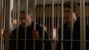 Leonard y Ray atrapados en la mansión de Savage (Pilot, Part 2).png