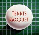 Dingo joue au tennis