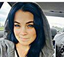 MeLyna123/Lele Con Pelo Azul Oscuro (Photo Shop)
