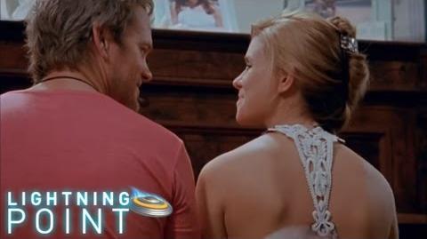 Lightning Point Alien Surfgirls S1 E16 Family Ties
