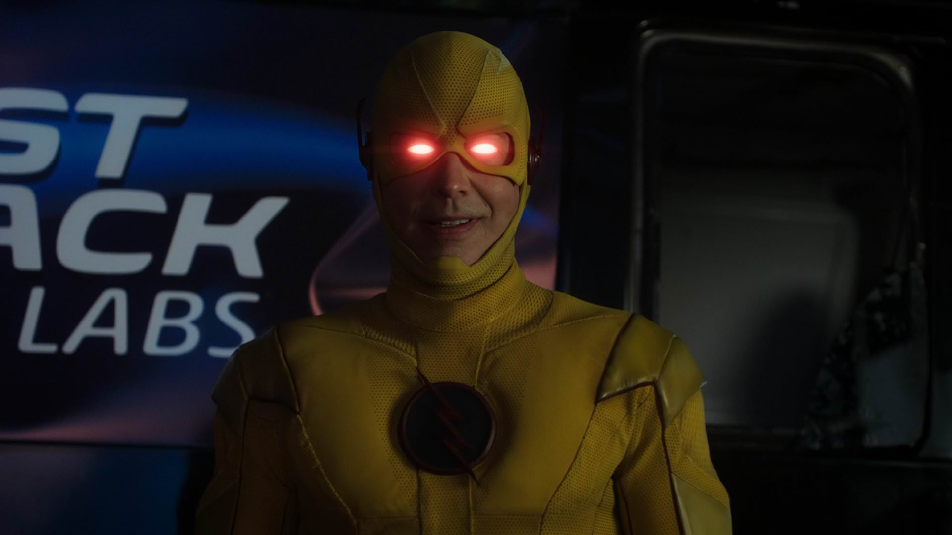 http://img3.wikia.nocookie.net/__cb20141210120254/arrow/images/b/b3/Reverse-Flash.png